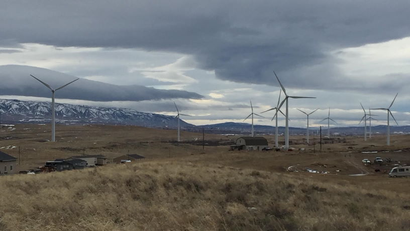 Many Wind Turbines in a dessert